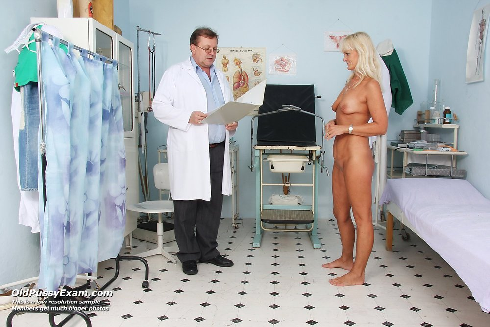 Elder Frantiska visiting gyno practitioner to get gyno check up