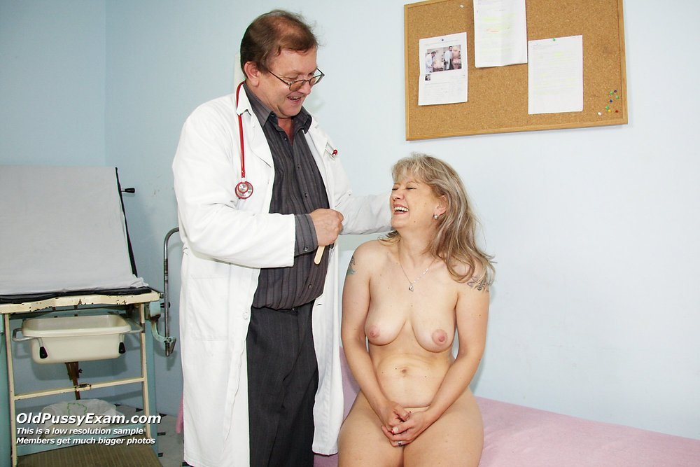 Aged classy wife Alena gyno vagina opener clinic check up