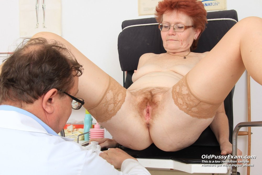 Czech doctor makes sexy patient squirt 8