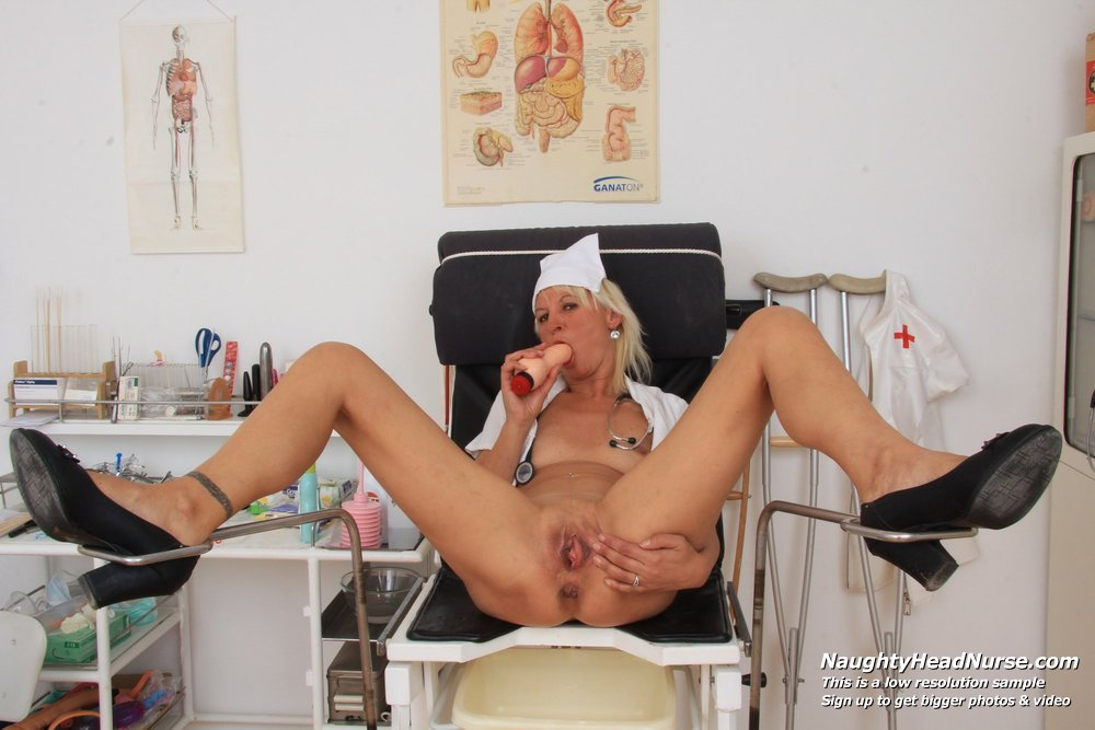 Jizzhut doctor having fun with nurse
